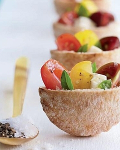 mini-caprese-salad