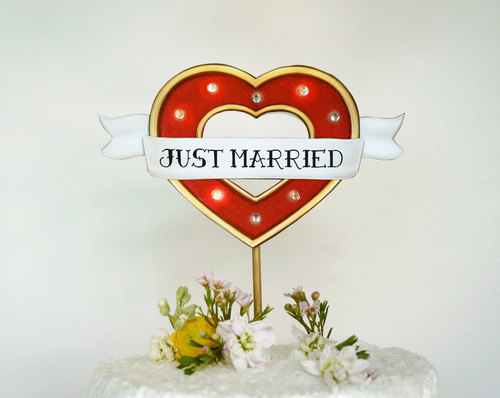 Custom+Wedding+Cake+Topper+Marquee+Lights+Sign+with+Tattooed+Heart-051815